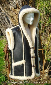 Shortwool Sheepskin Gilet with a Hood